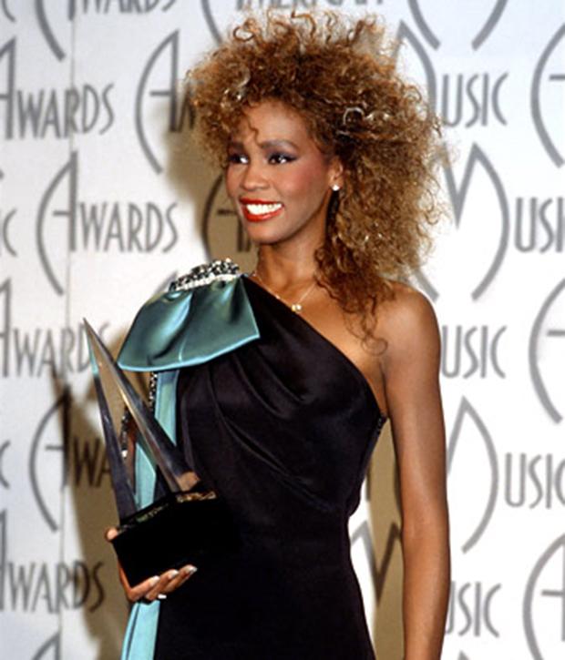 Houston_Whitney_028_c_MOA_June_1986_(American_Music_Awards).jpg