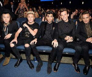 one-direction-sitting-ama-2014-2-billboard-650
