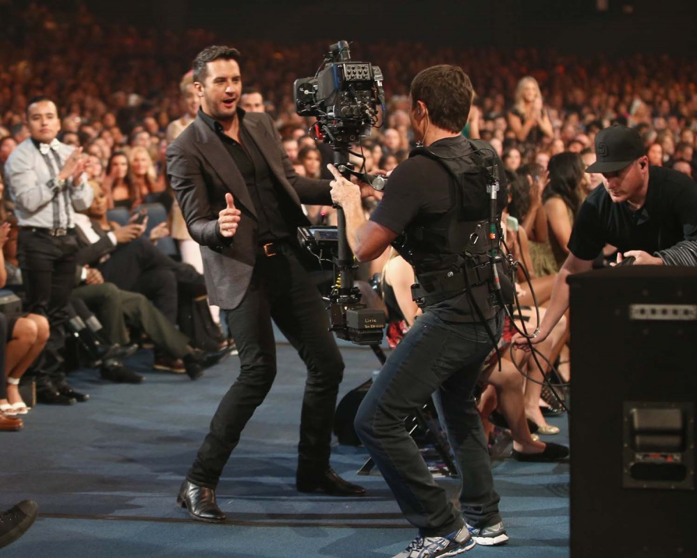 8 times luke bryan and karen fairchild killed the duet for How many country music awards are there