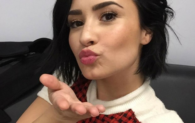Demi Lovato Took Over Our Instagram During AMAs Rehearsals