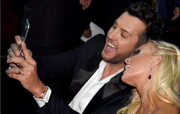 A Candid Look at the 2015 American Music Awards
