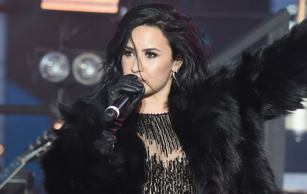 5 Demi Lovato Photos to Help Channel Your 2016 Confidence