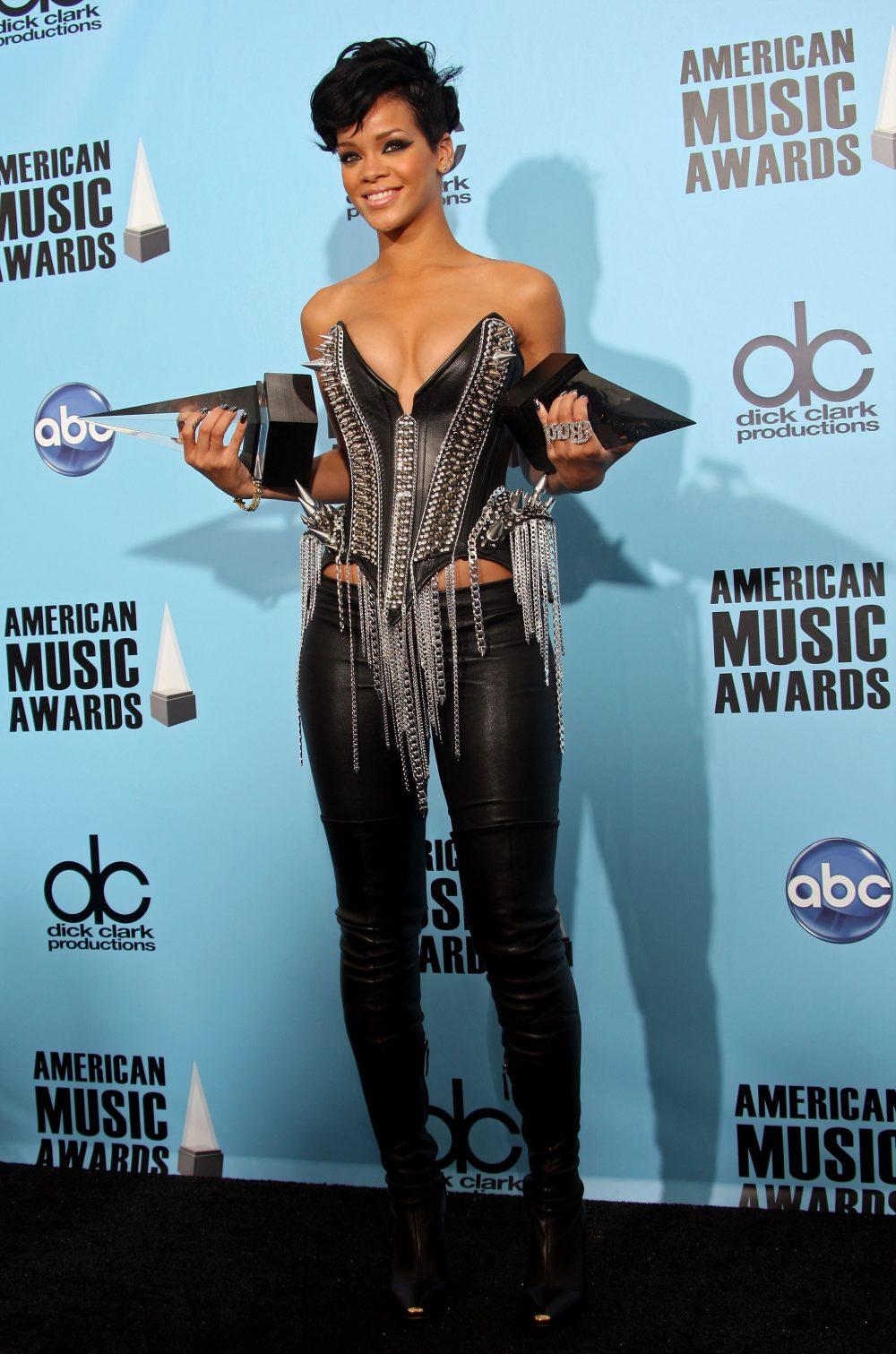 Shine Bright Like A Diamond Rihanna S Amas Timeline