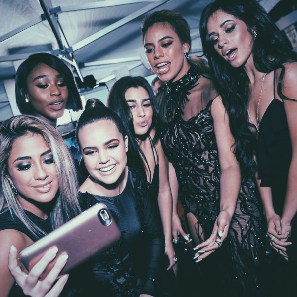 Fifth Harmony and Bailee Madison on the red carpet at the 2016 AMAs (American Music Awards)