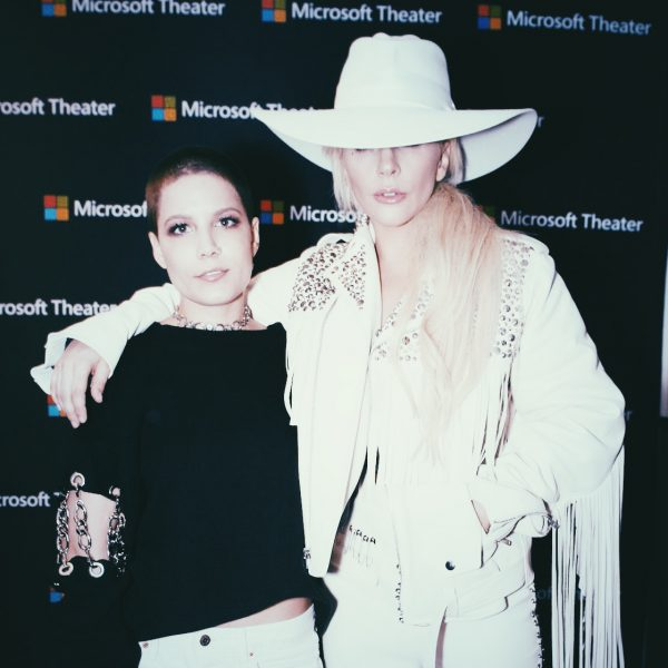 Halsey and Lady Gaga Backstage at the 2016 AMAs (American Music Awards)