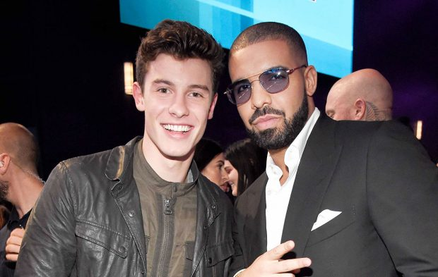 Photo Gallery: Shawn Mendes at the 2016 AMAs