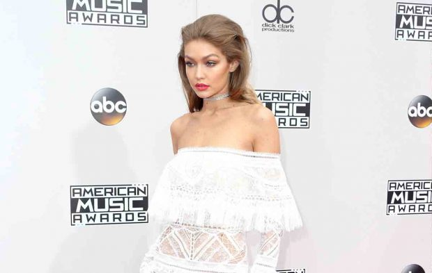Photo Gallery: 2016 AMAs Red Carpet