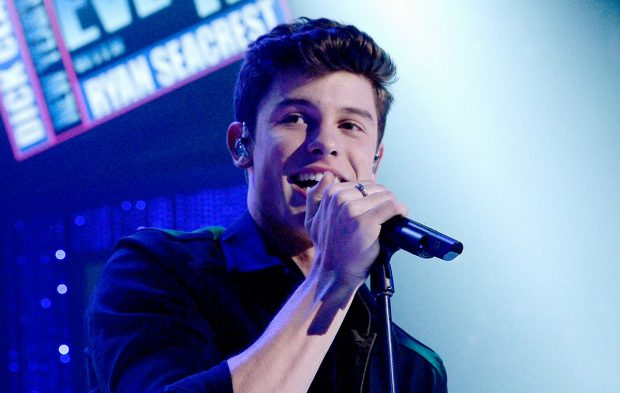 PSA: We Have Pics of Shawn Mendes on New Year's Rockin' Eve