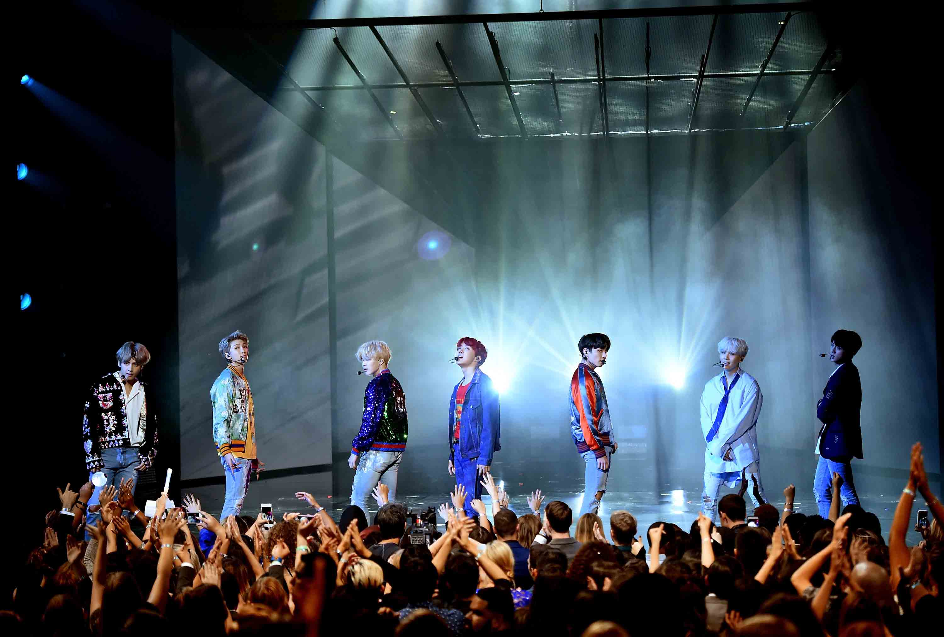 Ama Performers 2017 >> Photo Gallery: BTS at the 2017 AMAs | American Music Awards