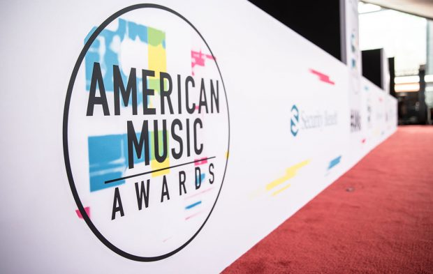 Watch the American Music Awards Red Carpet Live Stream